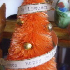 Halloween Themed Bottle Brush Tree